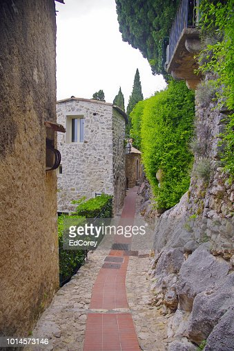 Medieval Streets of Eze with greenery : Foto stock