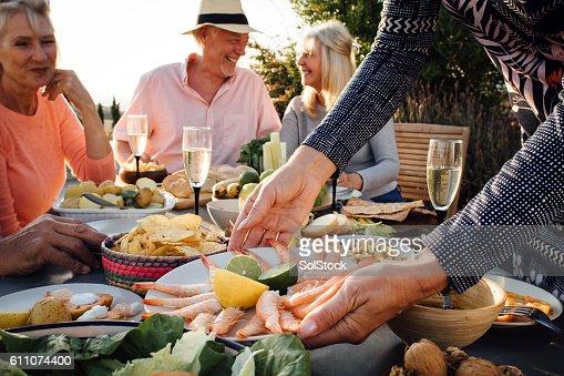 Repas entre amis stock photos et images de collection for Lunch entre amis