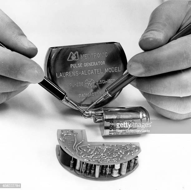 Medtronic pulse generator laurens alcatel model 25 197d pu238 radioactive 1965 Image courtesy US Department of Energy