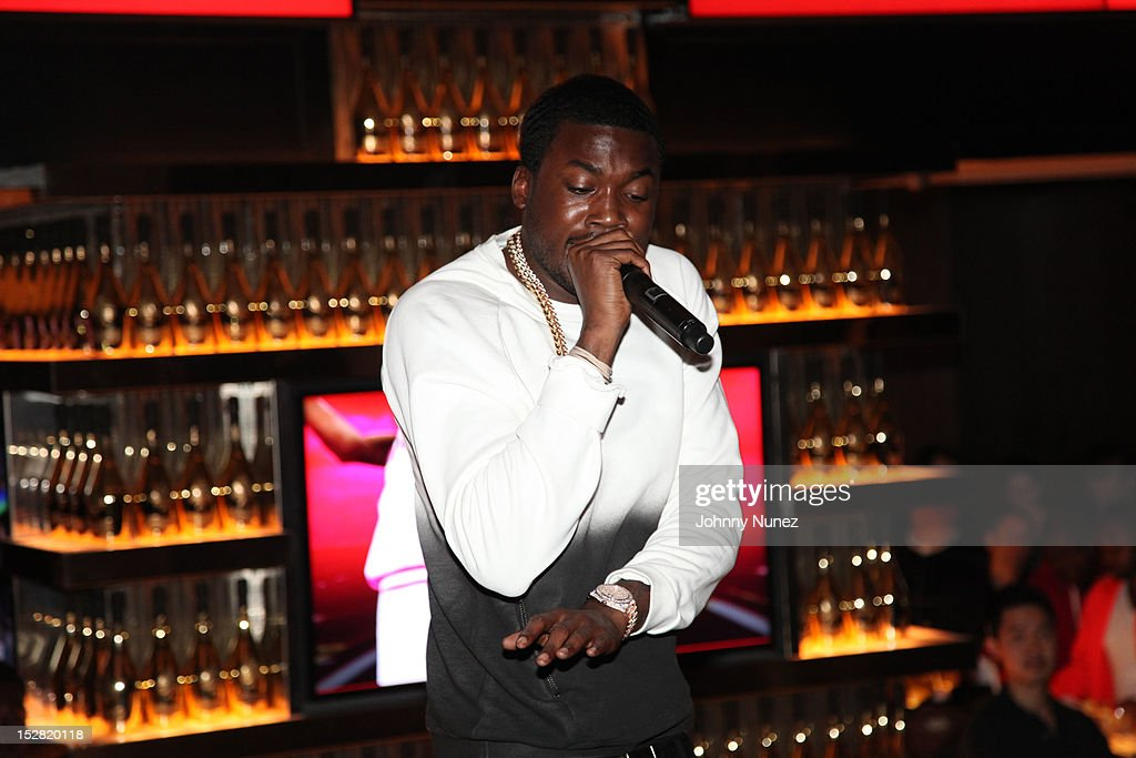 <a gi-track='captionPersonalityLinkClicked' href=/galleries/search?phrase=Meek+Mill&family=editorial&specificpeople=7187702 ng-click='$event.stopPropagation()'>Meek Mill</a> performs at the Premiere Of NBA 2K13 With Cover Athletes And NBA Superstars at 40 / 40 Club on September 26, 2012 in New York City.