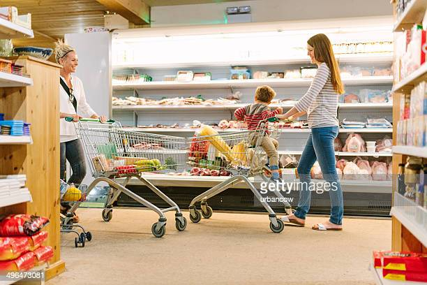 Meeting at the supermarket