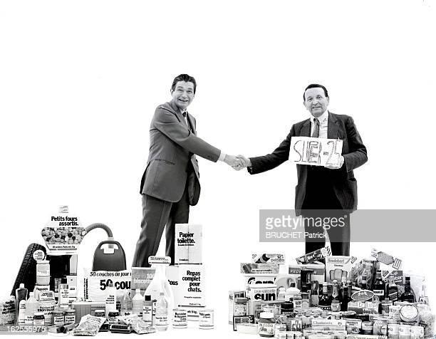 Meeting Between Denis Defforey Ceo Of Carrefour And Edouard Leclerc Ceo Of Center Leclerc Paris 1er décembre 1983 rencontre entre le pdg des super et...