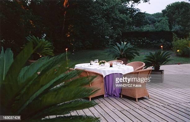 Meeting Isabelle Adjani Brigitte Bardot Première rencontre entre Isabelle ADJANI et Brigitte BARDOT lors d'un diner organisé par Paris Match à...