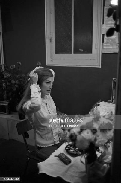 Meeting With Singer Dalida Rehearsing For The Olympia Le 04 octobre 1967 la chanteuse Dalida se produit a l'Olympia Ici avant le spectacle elle se...