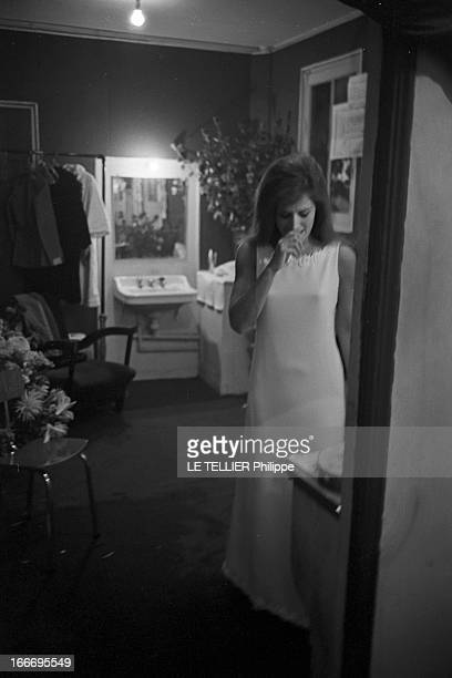 Meeting With Singer Dalida Rehearsing For The Olympia Le 04 octobre 1967 la chanteuse DALIDA se produit a l'Olympia Ici juste avant le spectacle...