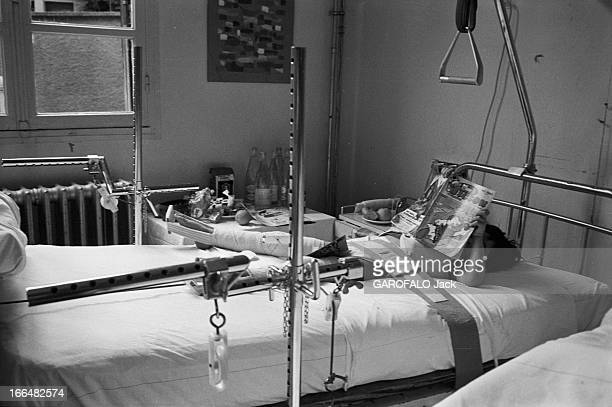Meeting With The Victims Of Road Accidents At Garches Hospital France Garches 20 juin 1973 Suite à des accidents de la route plus ou moins graves des...