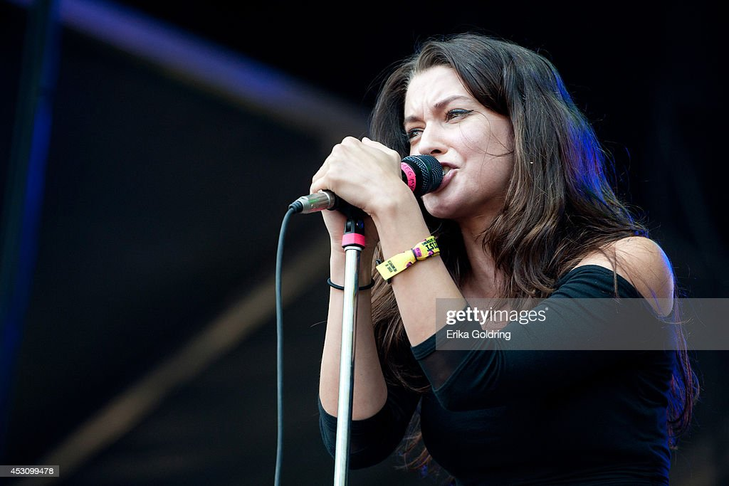 <a gi-track='captionPersonalityLinkClicked' href=/galleries/search?phrase=Meg+Myers&family=editorial&specificpeople=12769876 ng-click='$event.stopPropagation()'>Meg Myers</a> performs during 2014 Lollapalooza at Grant Park on August 2, 2014 in Chicago, Illinois.