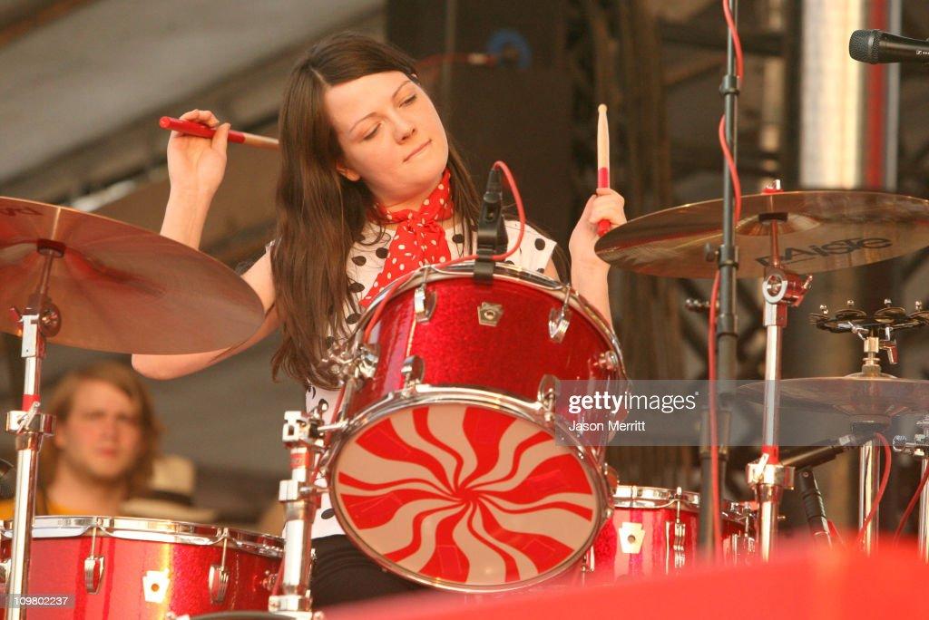 Bonnaroo 2007 - Day 3 - The White Stripes