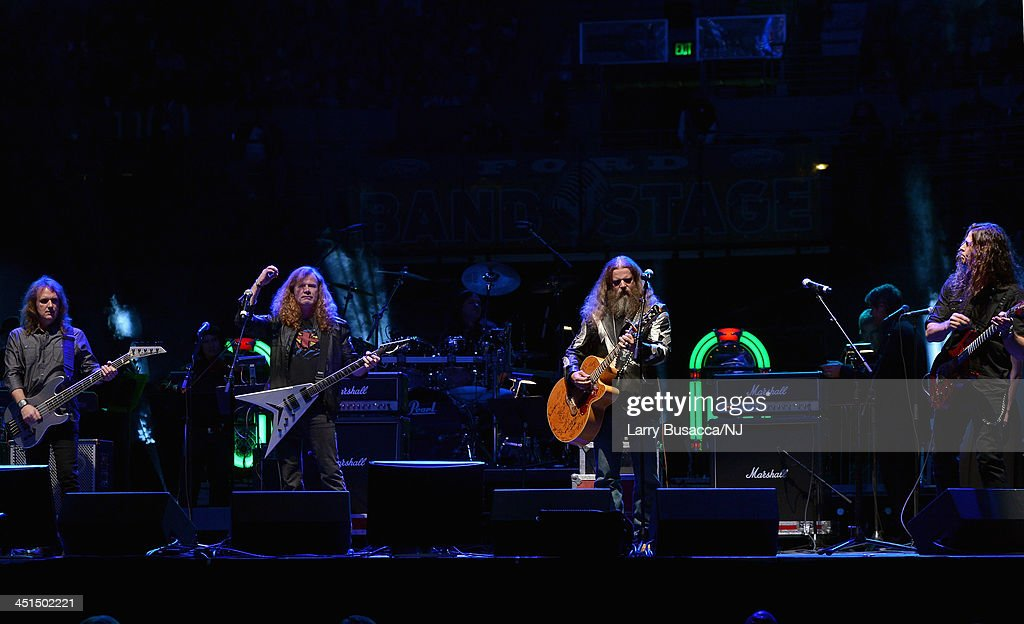 Megadeth and Jamey Johnson perform during Playin' Possum! The Final No Show Tribute To George Jones - Show at Bridgestone Arena on November 22, 2013 in Nashville, Tennessee.