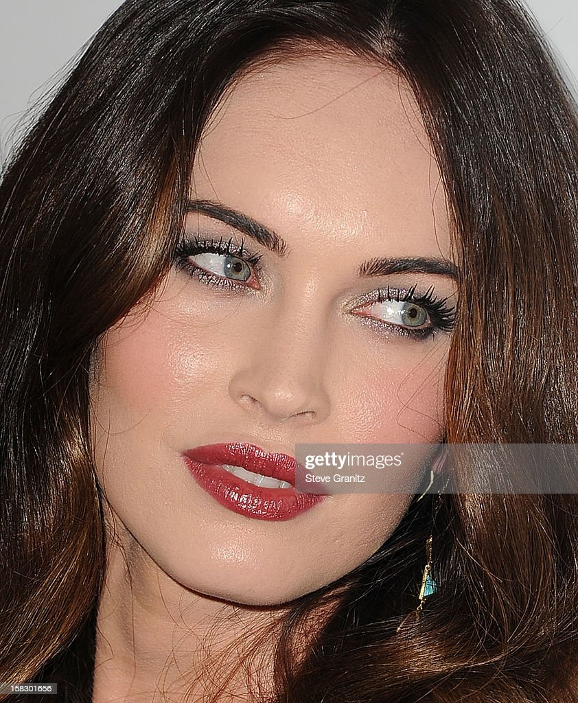 Megan Fox arrives at the 'This Is 40' - Los Angeles Premiere at Grauman's Chinese Theatre on December 12, 2012 in Hollywood, California.