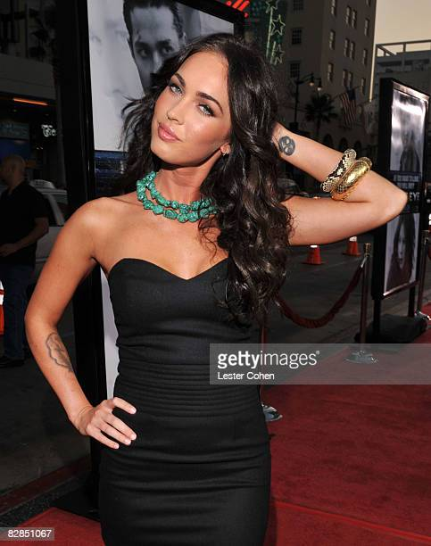 Megan Fox arrives on the red carpet of the Los Angeles premiere of 'Eagle Eye' at the Mann's Grauman Chinese Theatre on September 16 2008 in Los...