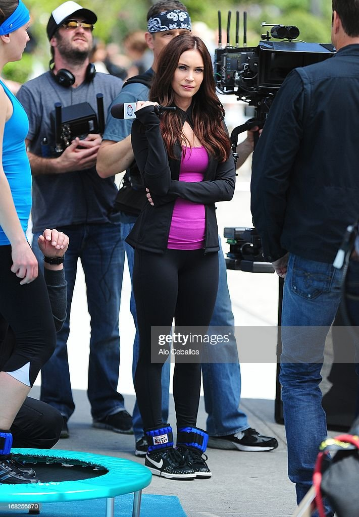 <a gi-track='captionPersonalityLinkClicked' href=/galleries/search?phrase=Megan+Fox&family=editorial&specificpeople=2239934 ng-click='$event.stopPropagation()'>Megan Fox</a> is seen during filming 'Teenage Mutant Ninja Turtles' in Flatiron District on May 7, 2013 in New York City.