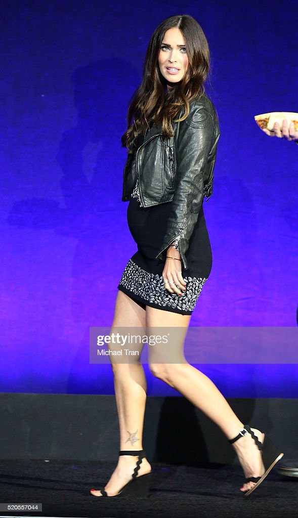 <a gi-track='captionPersonalityLinkClicked' href=/galleries/search?phrase=Megan+Fox&family=editorial&specificpeople=2239934 ng-click='$event.stopPropagation()'>Megan Fox</a> onstage during CinemaCon 2016 - Paramount Pictures opening night presentation held at The Colosseum at Caesars Palace on April 11, 2016 in Las Vegas, Nevada.
