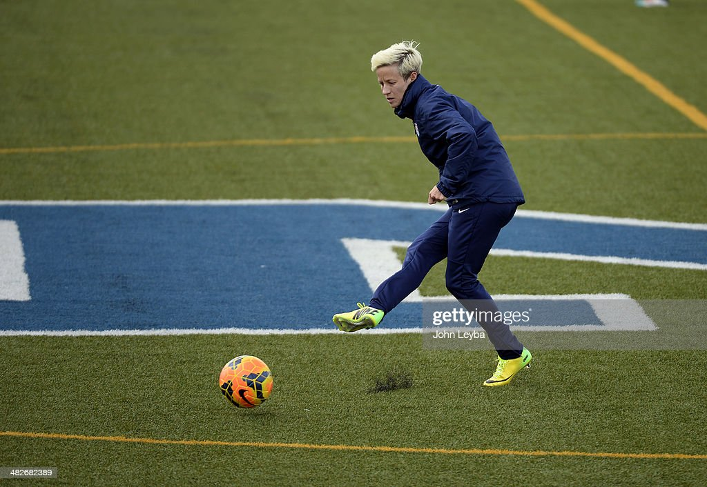 Megan Rapinoe MF with the USA women's soccer team runs through drills during their practice April 3 2014 at the Colorado School of Mines as they...