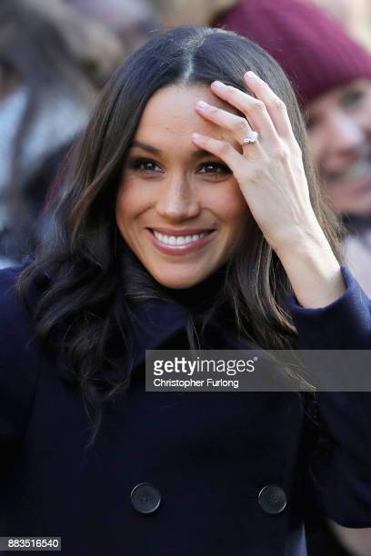 Meghan Markle visits Nottingham Contemporary on December 1 2017 in Nottingham England Prince Harry and Meghan Markle announced their engagement on...
