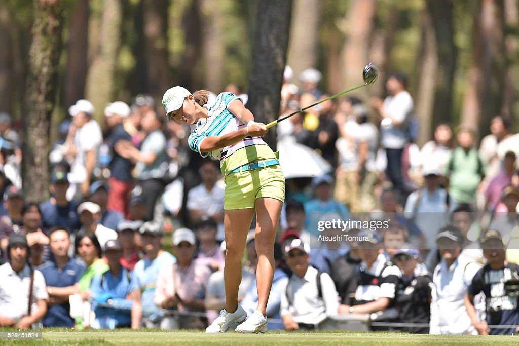 <a gi-track='captionPersonalityLinkClicked' href=/galleries/search?phrase=Megumi+Kido&family=editorial&specificpeople=7801014 ng-click='$event.stopPropagation()'>Megumi Kido</a> of Japan hits her tee shot on the 12th hole during the first round of the World Ladies Championship Salonpas Cup at the Ibaraki Golf Club on May 5, 2016 in Tsukubamirai, Japan.