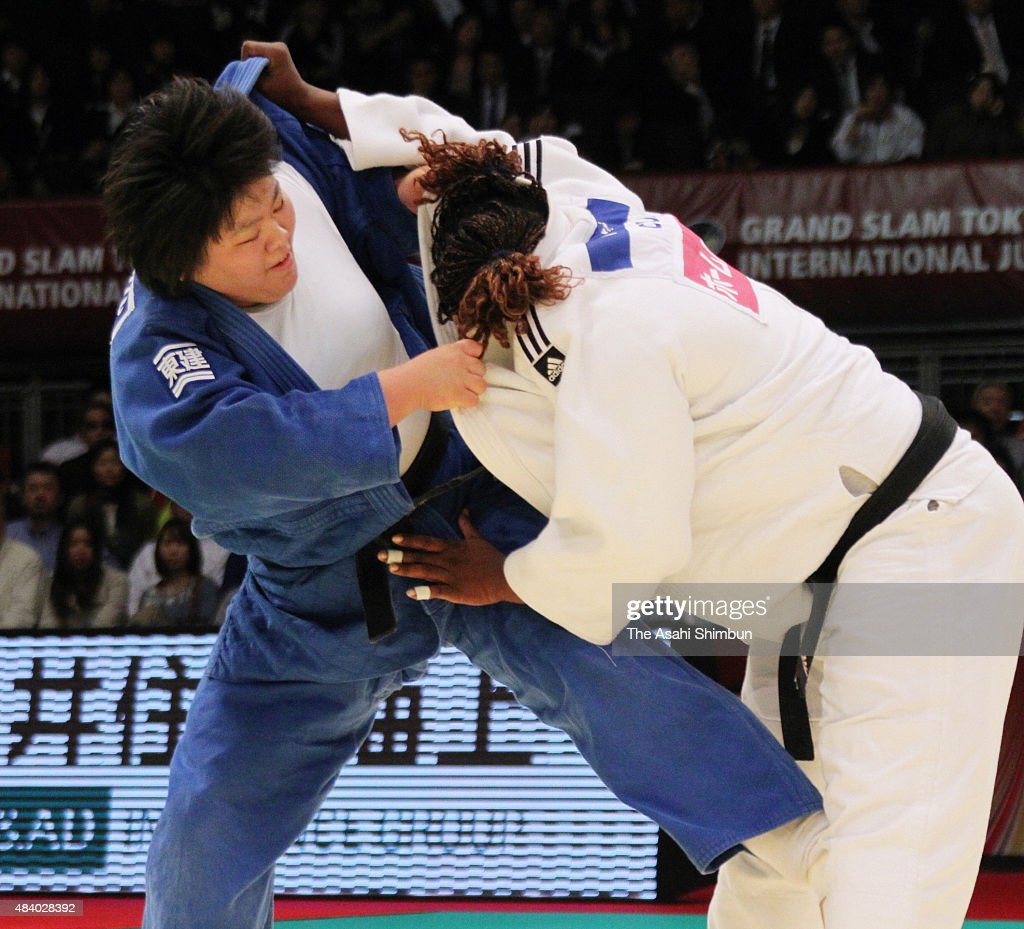 <a gi-track='captionPersonalityLinkClicked' href=/galleries/search?phrase=Megumi+Tachimoto&family=editorial&specificpeople=5645971 ng-click='$event.stopPropagation()'>Megumi Tachimoto</a> (blue) of Japan and <a gi-track='captionPersonalityLinkClicked' href=/galleries/search?phrase=Idalys+Ortiz&family=editorial&specificpeople=5492242 ng-click='$event.stopPropagation()'>Idalys Ortiz</a> (white) of Cuba compete in the Women's +78kg final during day three of the Judo Grand Slam at Tokyo Metropolitan Gymnasium on December 13, 2010 in Tokyo, Japan.