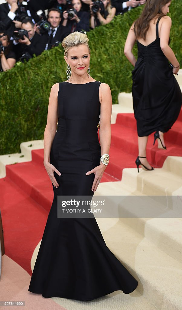 Megyn Kelly arrives for the Costume Institute Benefit at the Metropolitan Museum of Art on May 2, 2016 in New York. / AFP / TIMOTHY