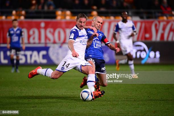 Mehdi MOSTEFA SBAA / Benjamin NIVET Troyes / Bastia 18eme journee de Ligue 1 Photo Dave Winter / Icon Sport
