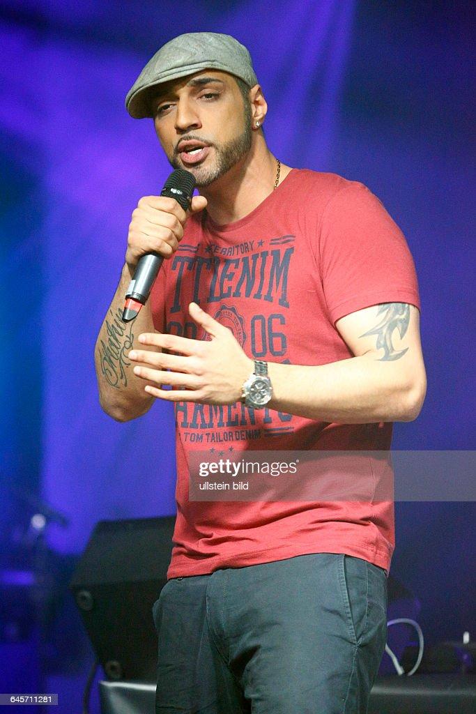 Mehrzad Marashi - der deutsche Soul- und R&B-Saenger iranischer Abstammung und Gewinner der siebten Staffel der Castingshow Deutschland sucht den Superstar bei einem Konzert in Hamburg, Grosse Freiheit 36
