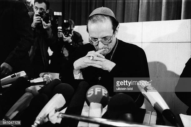 Meisner Joachim Kardinal *Erzbischof von Koeln D bei der Pressekonferenz anlaesslich seiner Berufung als Nachfolger von Kardinal Hoeffner