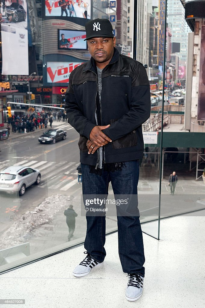 Mekhi Phifer visits 'Extra' at their New York studios at H&M in Times Square on February 26, 2015 in New York City.