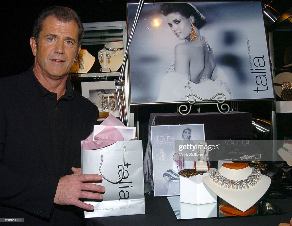 <a gi-track='captionPersonalityLinkClicked' href=/galleries/search?phrase=Mel+Gibson&family=editorial&specificpeople=201512 ng-click='$event.stopPropagation()'>Mel Gibson</a> in Backstage Creations Talent Retreat during Backstage Creations 2005 Screen Actors Guild Awards - The Talent Retreat - Day 2 at Shrine Auditorium in Los Angeles, California, United States.