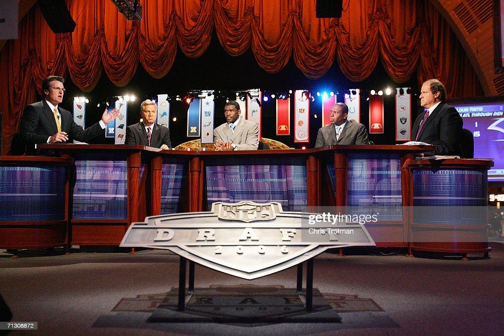 Mel Kiper Chris Mortensen Michael Irvin Tom Jackson and Chris Berman of ESPN broadcast their coverage during the 2006 NFL Draft on April 29 2006 at...