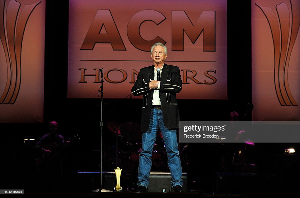 Mel Tillis accepts the Cliffie Stone Pioneer Award during the 4th Annual ACM Honors at the Ryman Auditorium on September 20, 2010 in Nashville, Tennessee.