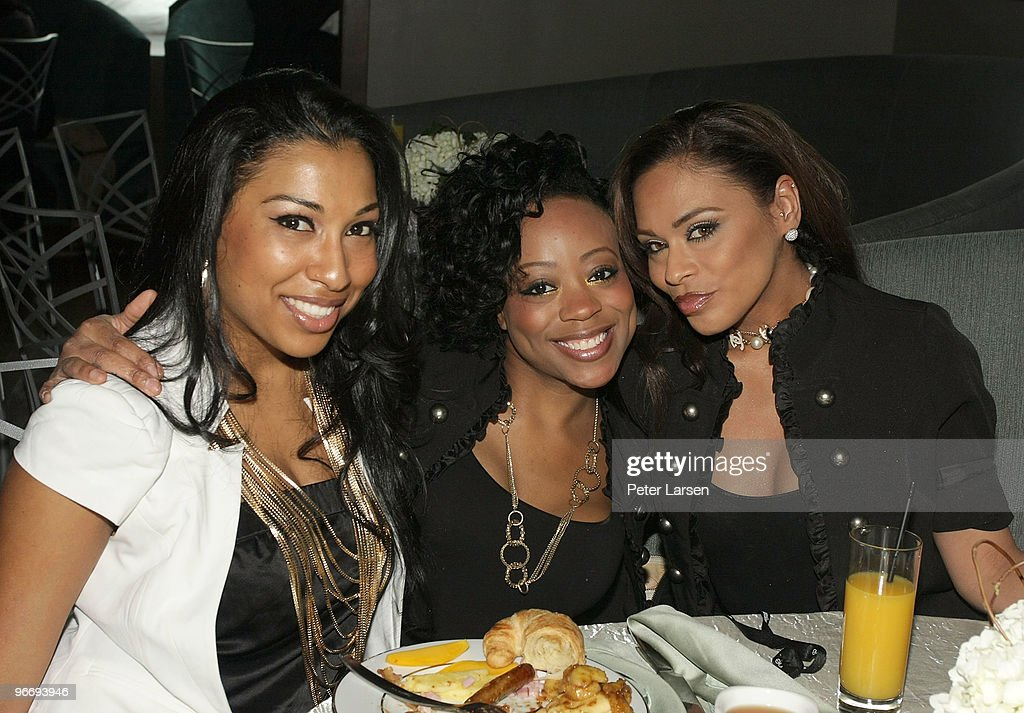 Melanie Fiona and her backup singers attend a charity brunch benefitting Athletes for Africa hosted by Russell Simmons at The Boardroom on February...