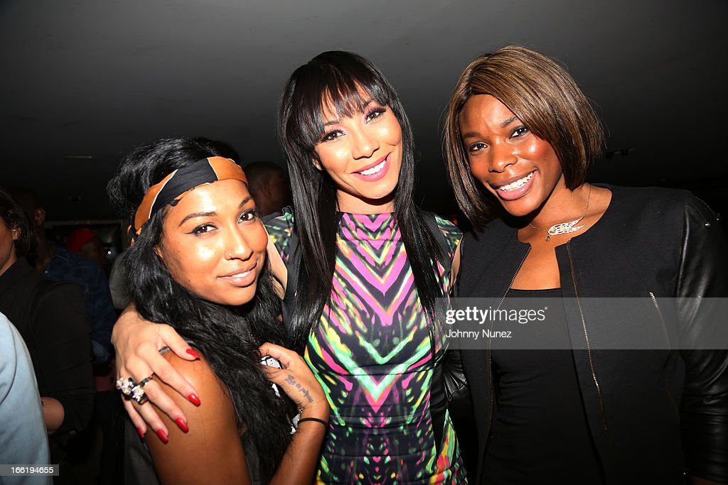 <a gi-track='captionPersonalityLinkClicked' href=/galleries/search?phrase=Melanie+Fiona&family=editorial&specificpeople=5543211 ng-click='$event.stopPropagation()'>Melanie Fiona</a>, Bridget Kelly and K. Foxxattend Bridget Kelly's Birthday Celebration at the 40 / 40 Club on April 9, 2013 in New York City.