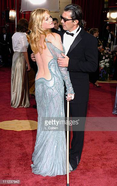 Melanie Griffith and Antonio Banderas during The 77th Annual Academy Awards Arrivals at Kodak Theatre in Hollywood California United States