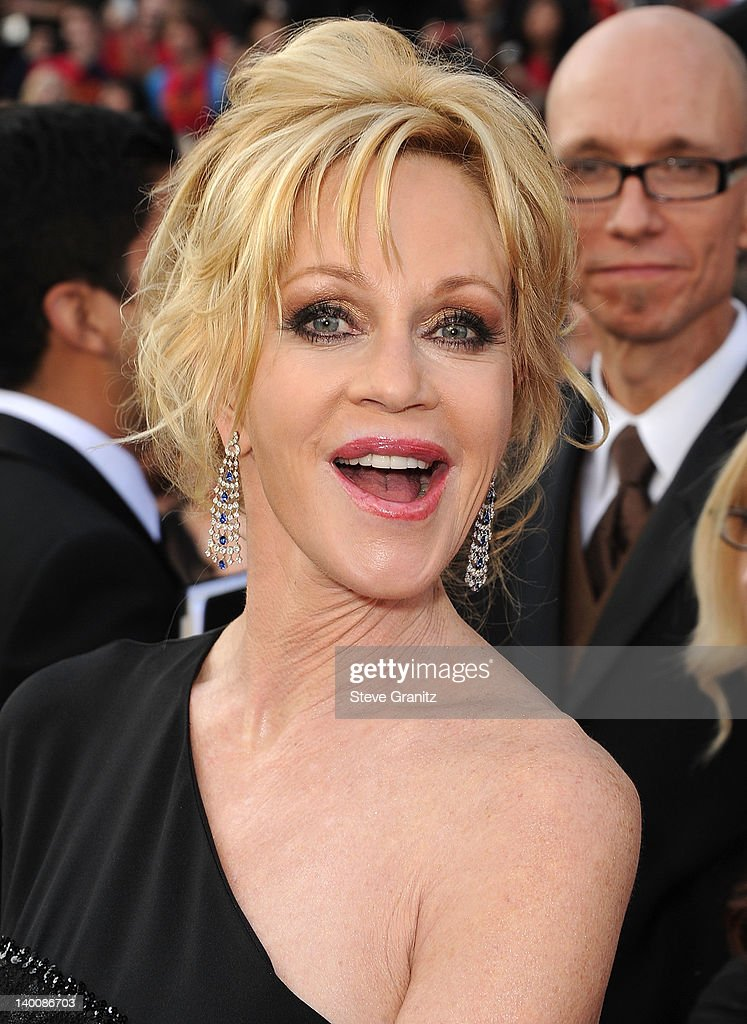<a gi-track='captionPersonalityLinkClicked' href=/galleries/search?phrase=Melanie+Griffith&family=editorial&specificpeople=171682 ng-click='$event.stopPropagation()'>Melanie Griffith</a> arrives at the 84th Annual Academy Awards at Grauman's Chinese Theatre on February 26, 2012 in Hollywood, California.