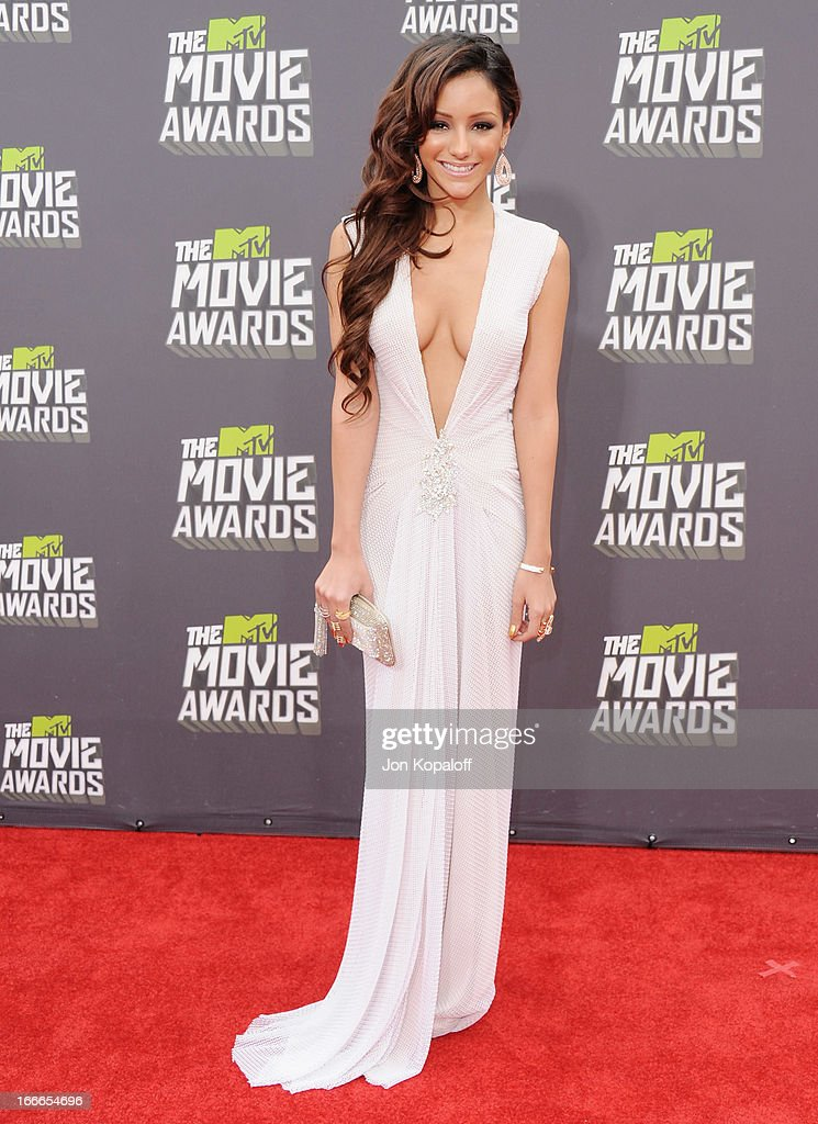 Melanie Iglesias arrives at the 2013 MTV Movie Awards at Sony Pictures Studios on April 14, 2013 in Culver City, California.