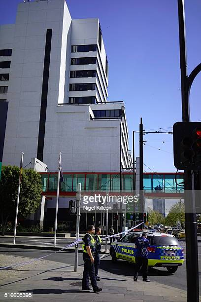 Melbourne Police block areas around Flinders Street and Melbourne Docklands as suspicious package discovered Sept 262014