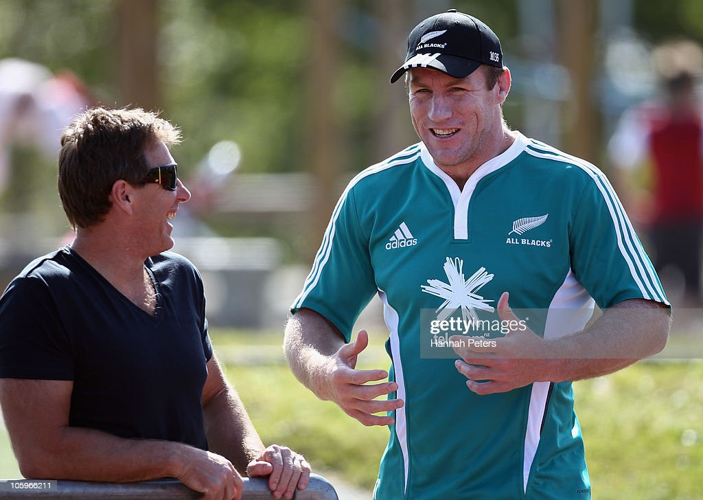 Melbourne Storm coach Craig Bellamy talks with Brad Thorn during a New Zealand All Blacks training session at The Trusts Stadium on October 23 2010...