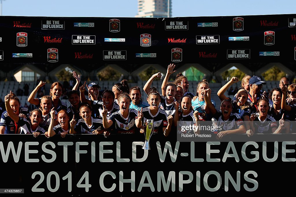 Melbourne Victory players celebrate after winning the W-League Grand Final match between the Melbourne Victory and the Brisbane Roar at Lakeside Stadium on February 23, 2014 in Melbourne, Australia.