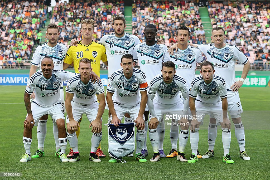 Melbourne Victory players pose for a photo prior to the AFC Champions League Round Of 16 match between Jeonbuk Hyundai Motors and Melbourne Victory at Jeonju World Cup Stadium on May 24, 2016 in Jeonju, South Korea.