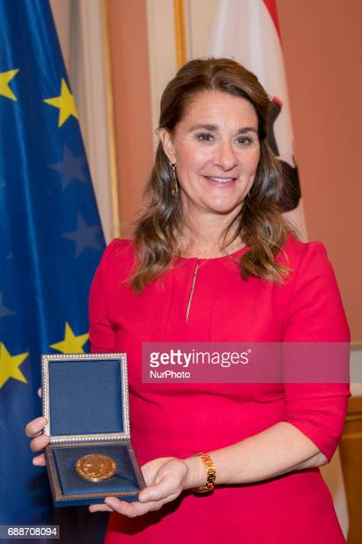 Melinda Gates poses for a picture after being awarded with the OttoHahn Peace Medal at the town hall in Berlin Germany on May 25 2017 Melinda Gates...