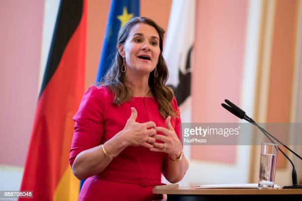 Melinda Gates speaks after being awarded with the OttoHahn Peace Medal at the town hall in Berlin Germany on May 25 2017 Melinda Gates is getting...