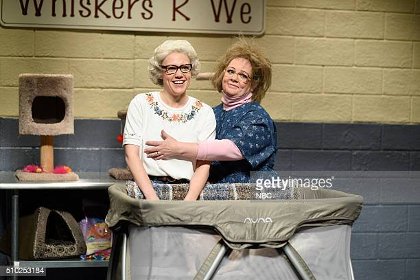 LIVE 'Melissa McCarthy' Episode 1696 Pictured Kate McKinnon as Barbara DeDrew and Melissa McCarthy as Tabbytha during the 'WhiskersRWe' sketch on...