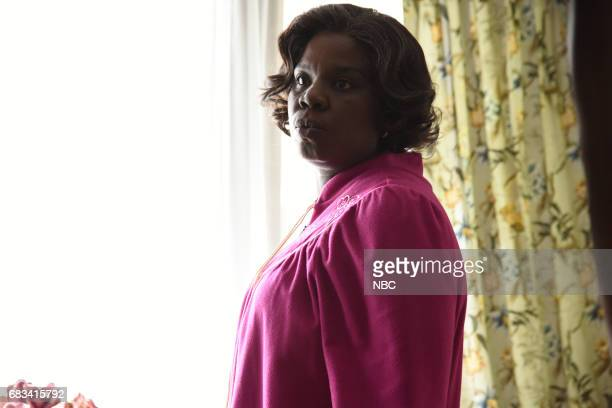 LIVE 'Melissa McCarthy' Episode 1724 Pictured Leslie Jones in 'Amazon Echo'