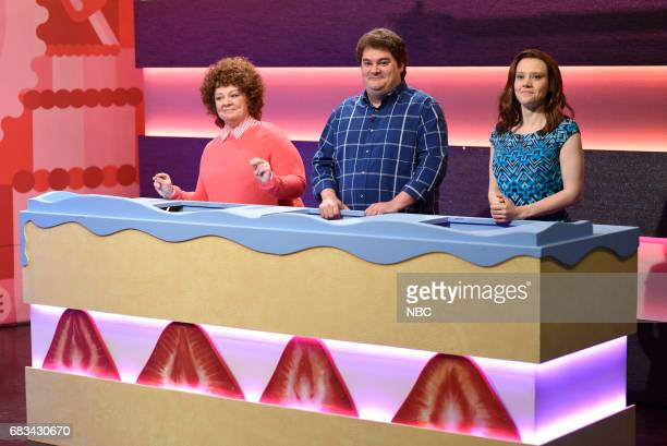 LIVE 'Melissa McCarthy' Episode 1724 Pictured Melissa McCarthy Bobby Moynihan Kate McKinnon as contestants during 'Game Show' in Studio 8H on May 13...