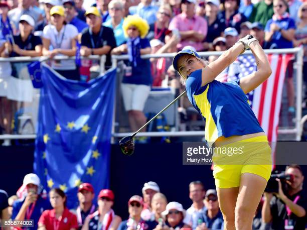 Melissa Reid of Team Europe hits driver on the first tee during the final day singles matches of the Solheim Cup at the Des Moines Golf and Country...