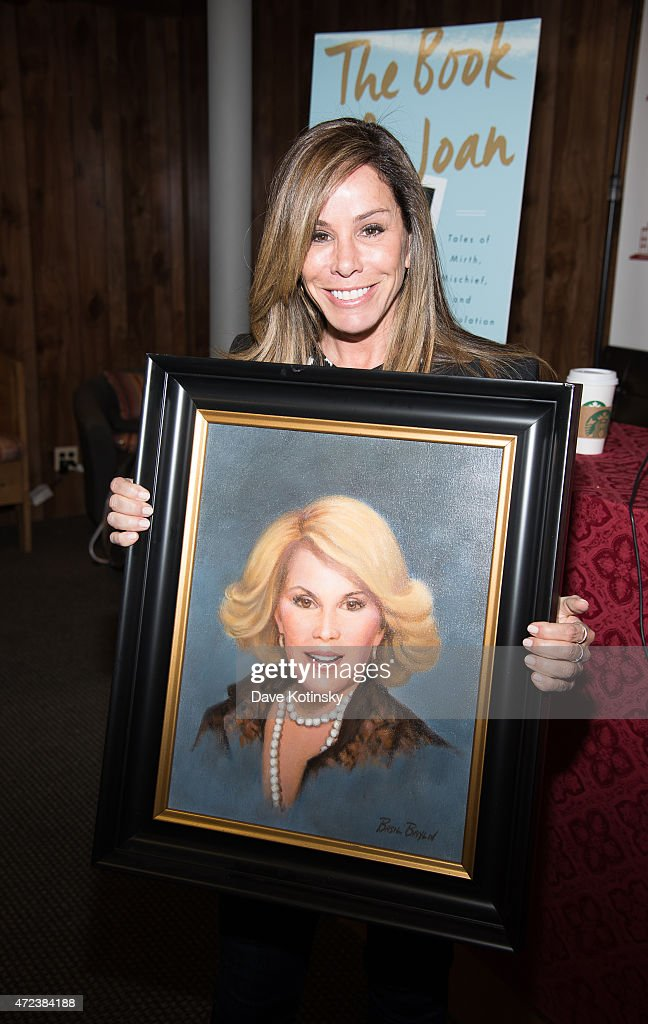 Melissa Rivers recieves portrait at Bookends Bookstore on May 6 2015 in Ridgewood New Jersey