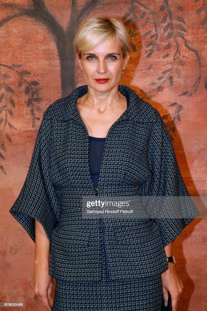 Melita Toscan du Plantier attends the Chanel Cruise 2017/2018 Collection Show at Grand Palais on May 3, 2017 in Paris, France.
