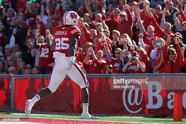 Melvin Gordon of the Wisconsin Badgers runs in for a touchdown during the second quarter against the Maryland Terrapins at Camp Randall Stadium on...