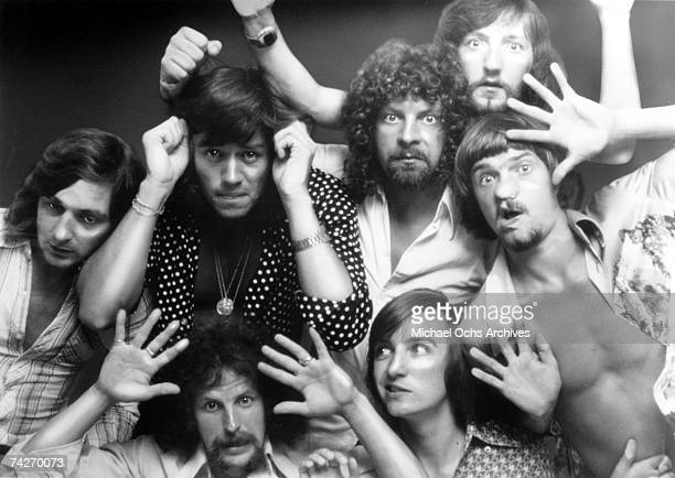 Melvyn Gale Bev Bevan Jeff Lynne Mik Kaminsky Colin Walker Richard Tandy and Kelly Groucutt of Electric Light Orchestra pose for a portrait in 1975