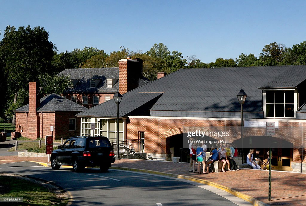 MEMadeira Photos by Michael Williamson Neg#203463 9/02/08 THE MADEIRA SCHOOL IS AN EXCLUSIVE PRIVATE SCHOOL FOR GIRLS ON THE BANKS OF THE POTOMAC AND...