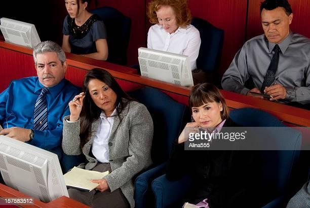 Diversos membros do júri no Tribunal federal